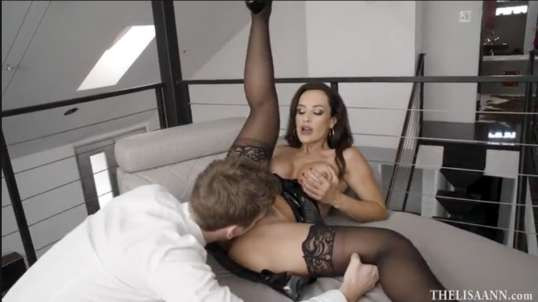 Young Guy Gets Fuck Mature Deep Anal - Lisa Ann