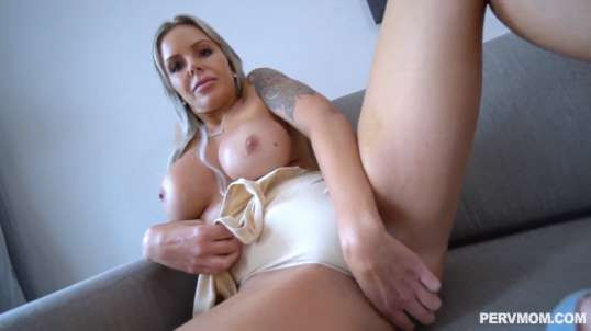 Exclusive-POV Pussy Fuck With Blonde MILF - Nina Elle